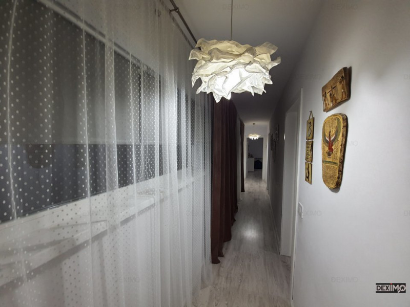 Tomis I - Spitalul Judetean- Apartament cu 3 camere in vila cu pod  mobilat lux