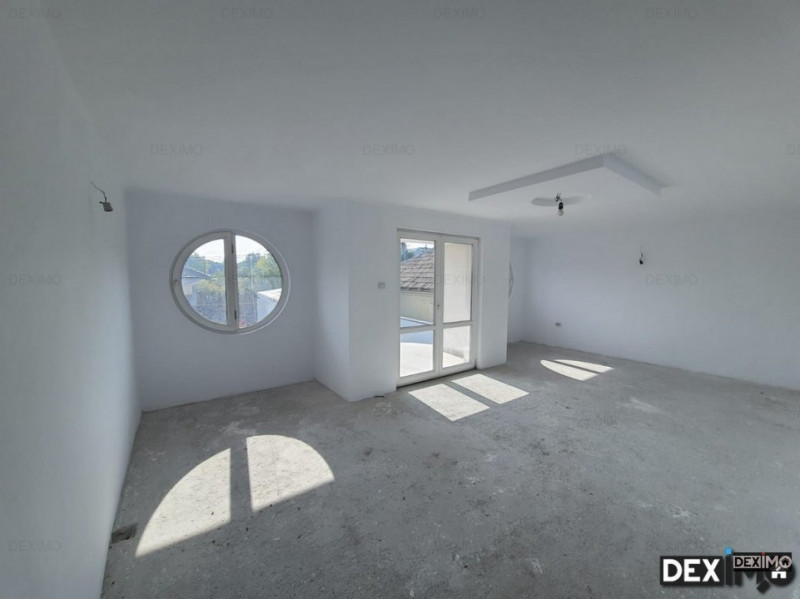Vila 5 camere P+1+M - Agigea - Central - Garaj cu Rampa - Teren 375 mp