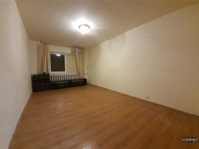 Apartament 2 Camere Decomandate - Zona CET - Gaze la Scara - Liber