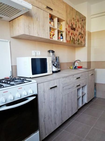 Apartament 2 Camere Semidecomandate - Zona Tomis 3 - Mobilat Complet