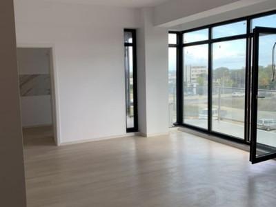 Apartament 3 Camere Decomandate - Zona Tomis Plus - 2 Locuri De Parcare