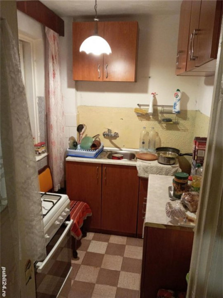 Apartament 2 camere, decomandat, Finisaje clasice